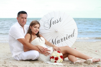 Alejandra & Fernando Beach Wedding