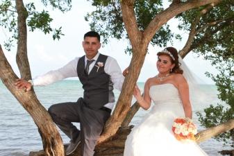 Ingrid & Jeyson Key Biscayne Beach Wedding