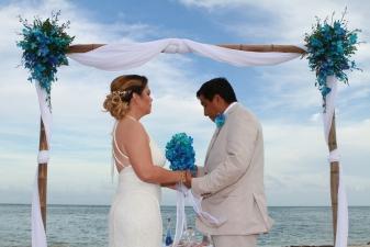 Maria & Javier Key Biscayne   Beach Wedding