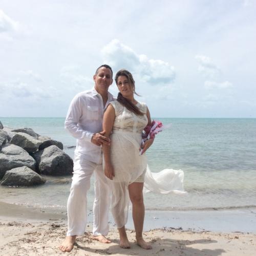 HAWAIIAN TROPICAL BEACH WEDDING PACKAGE